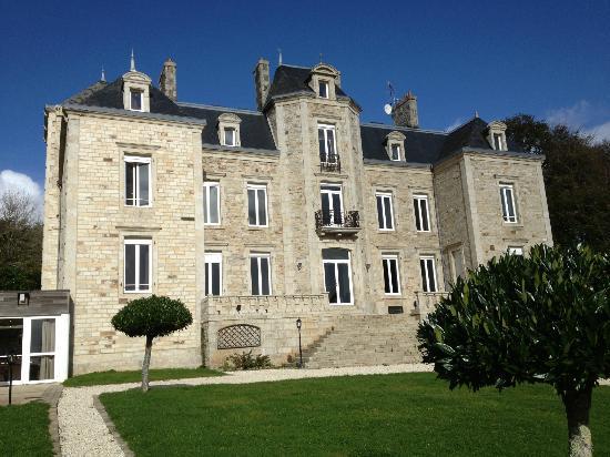 Ploneour Lanvern, France: vue du parc l'hôtel
