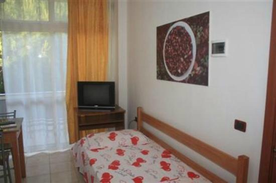 Hotel princi i vogel velipoje albania apartment for Apartment reviews