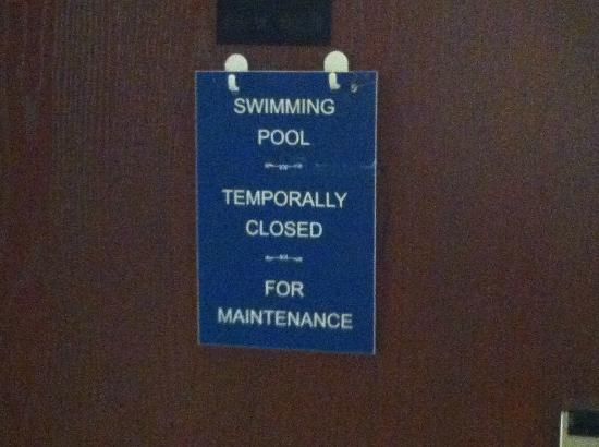 Comfort Inn: Could not use pool