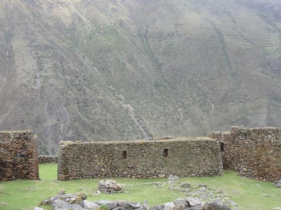 Pumamarca Ruins : ruins