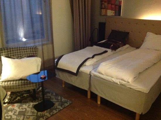 Scandic Stavanger Forus: This is how the room look after the cleaning. this is the most expensiv hotel i have lived on bu