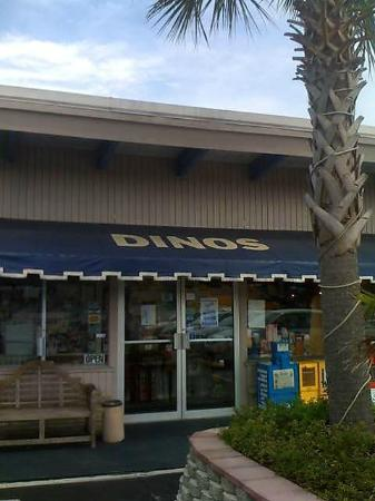 Dino's House of Pancakes: Entrance