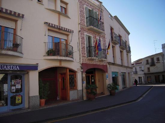 Hotel Antiga : La fachada del hotel.