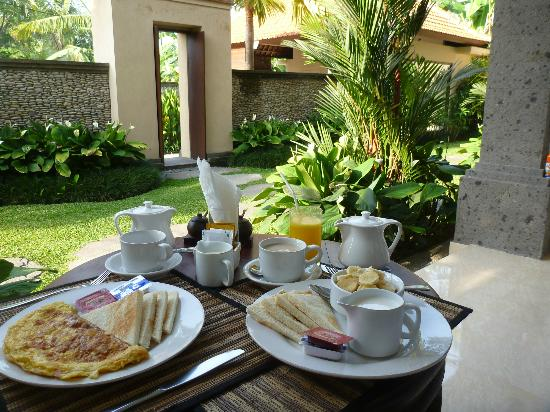 Indira Cottage: breakfast