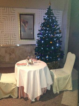 Crown Piast Hotel & Park: il mio tavolo e l'albero di natale