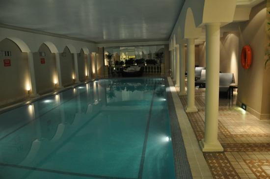 Piscina picture of emperador hotel buenos aires buenos aires tripadvisor - Piscina hotel emperador ...
