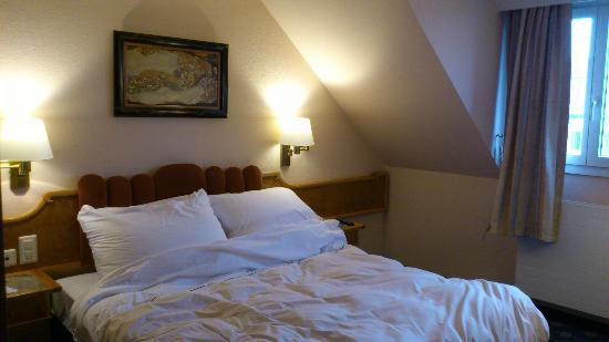 BEST WESTERN PLUS Hotel Mirabeau: the bedroom