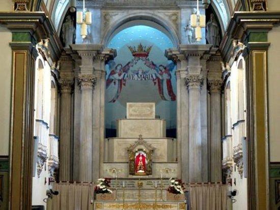 Detalhe do altar, com a imagem de N.Sra. Aparecida