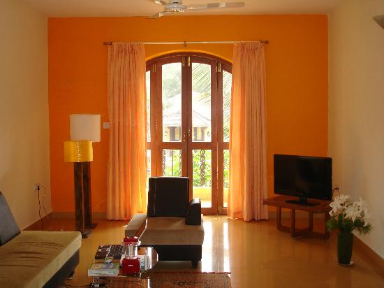 Bougainvillea Guest House Goa: Living room