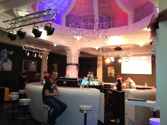 NYX Prague: 360 bar Sweet!