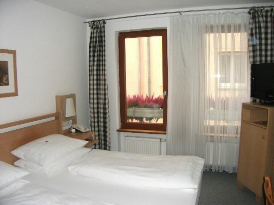 Hotel Agneshof: Room window