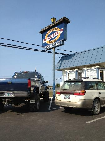 Mattie's Pancake House: Parking Lot