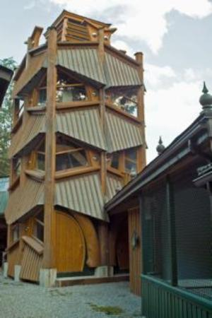 Brackendale Art Gallery Theatre Teahouse: Eagle tower
