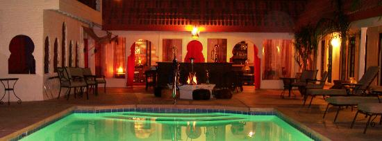 El Morocco Inn & Spa: A view from the pool towards the Casbah Lounge at night!