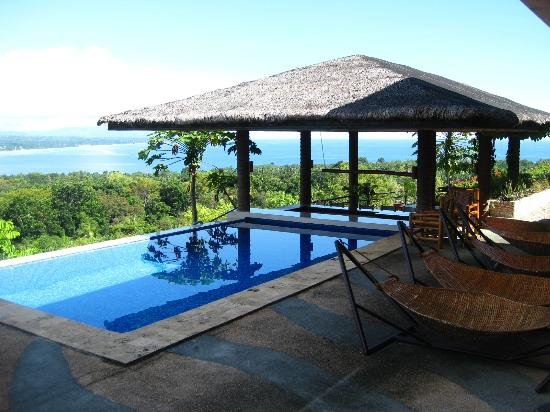 Bohol Vantage Resort: Pool and Pool Bar
