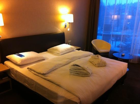 Radisson Blu Hotel, Lucerne: Schlafzimmer Junior Suite