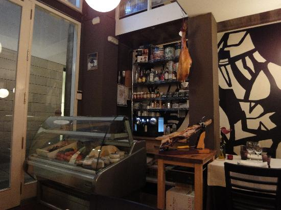 Restaurant Montiel: Small but superb.