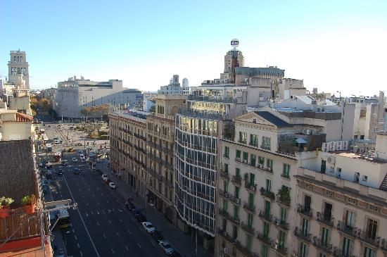 H10 Universitat Hotel: Placa de Cataluyna from roof terrace