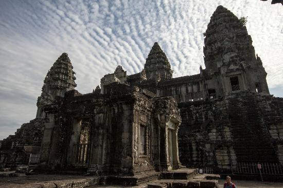 Angkor Wat Services day tours: Angor Wat