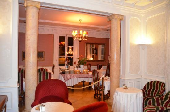 Hotel Le Manoir : salle petit déjeuner