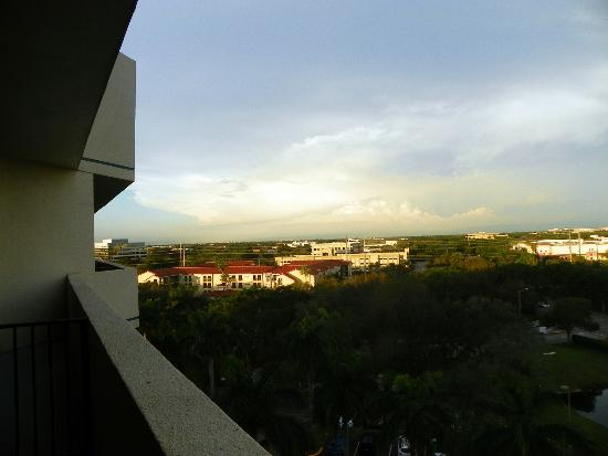 Embassy Suites by Hilton Boca Raton: Nice view from the 7th floor