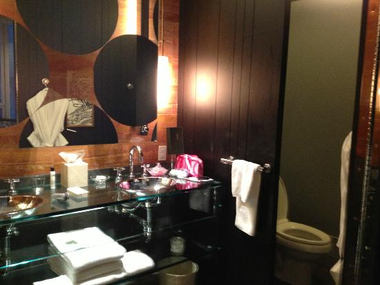 Andaz 5th Avenue: bathroom