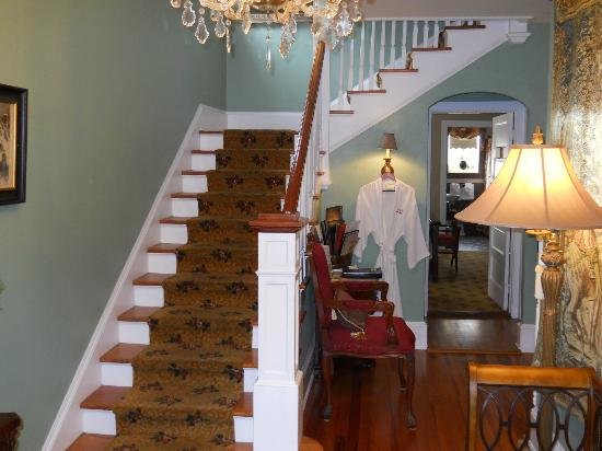 Inn On Charlotte: Front hall and stairs