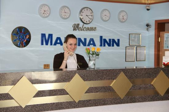 Marina Inn: Front Desk