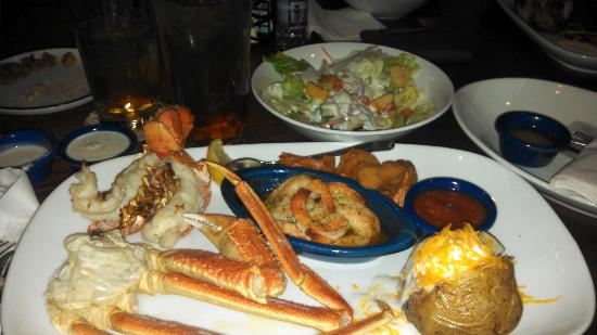 Red Lobster: Ultimate Seafood Platter w/Baked Potatoe & Garden Salad