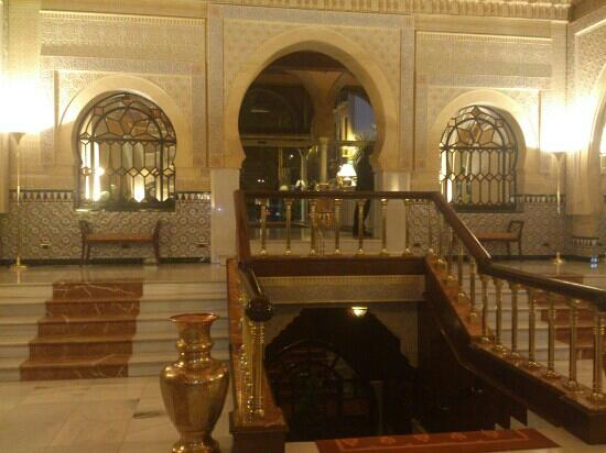 Hotel Alhambra Palace: interior del hotel