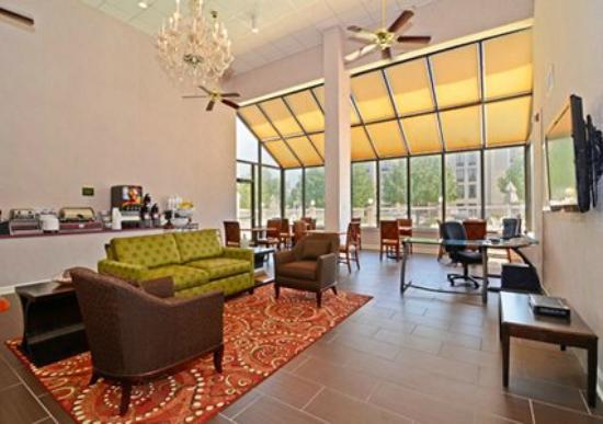 Comfort Inn: Lobby/Breakfast