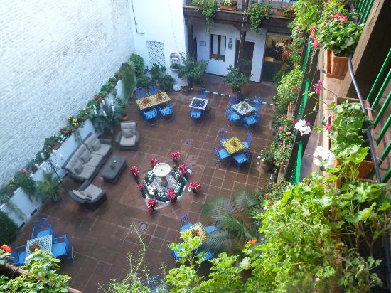 El Rey Moro Hotel Boutique Sevilla: Cute little sitting area