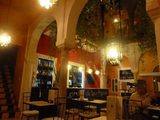 El Rey Moro Hotel Boutique Sevilla: Charming restaurant