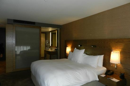 Hilton Melbourne South Wharf: room