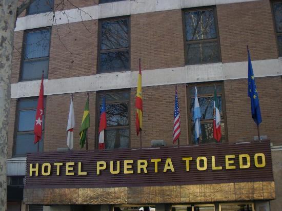 Front of hotel facing arco de toledo picture of hotel - Hotel puerta del arco ...