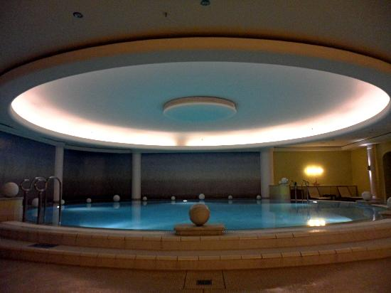 The Westin Grand Berlin: Pool