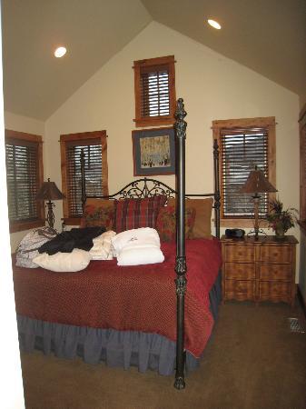 ذا بورتشيز أوف ستيمبوت سبرينجز: Another Bedroom