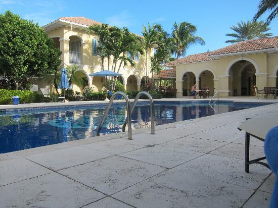 Villa Renaissance: life around the pool