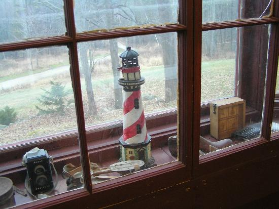 Sleepy Hollow Inn: Double-paned dining room picture window with antiques