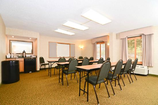 ‪‪Quality Inn Chapel Hill‬: Meeting Room‬