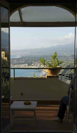Hotel Villa Paradiso: room with a view