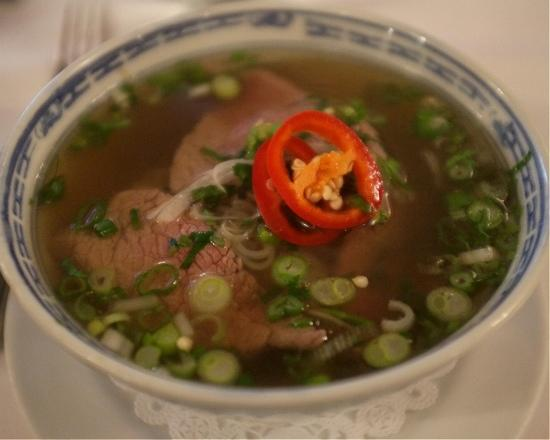 Le Colonial: Oxtail pho w/ beef tenderloin