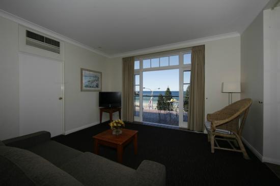 Coogee, Australia: Pub Style- Ocean View Suite