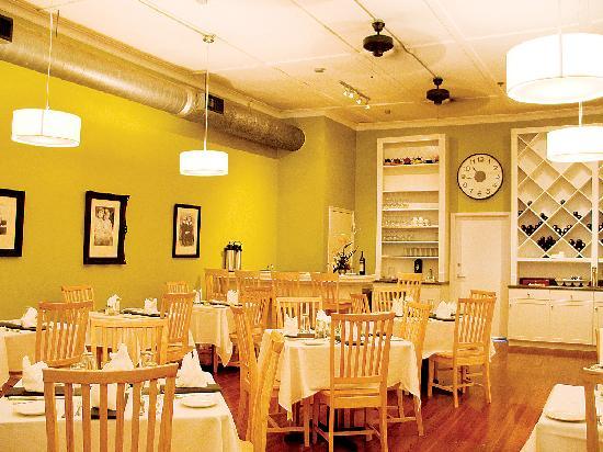 paramount grill gainesville restaurant reviews phone number photos tripadvisor. Black Bedroom Furniture Sets. Home Design Ideas