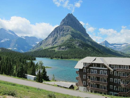 Many Glacier Hotel: Beautiful views!