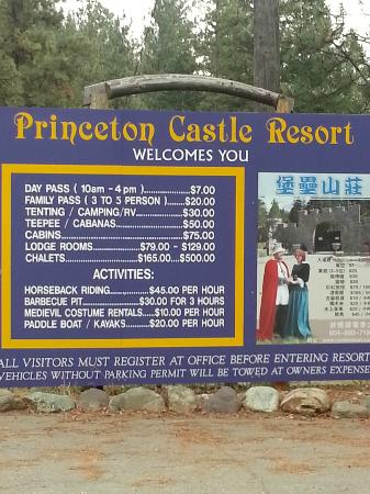 Princeton Castle Resort: Sign