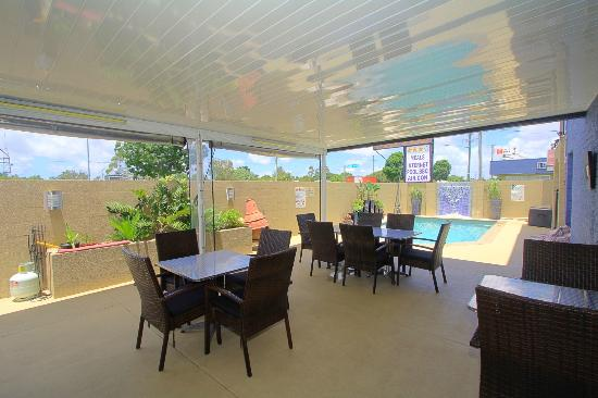 Charm City Motel: Outdoor area