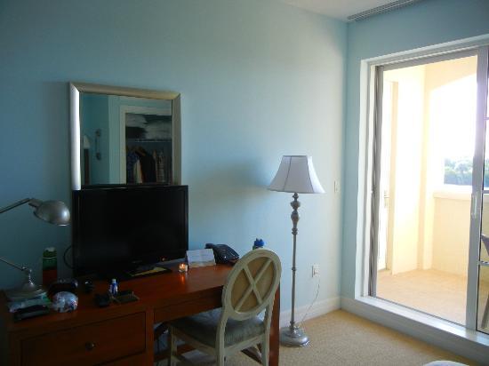 The Inn at Little Harbor: Bedroom