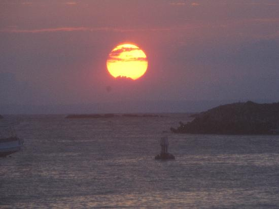 Morgan's Cove Resort & Casino: sunset from island tour