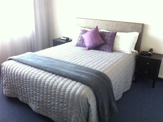 Harbour View Lodge: The bed